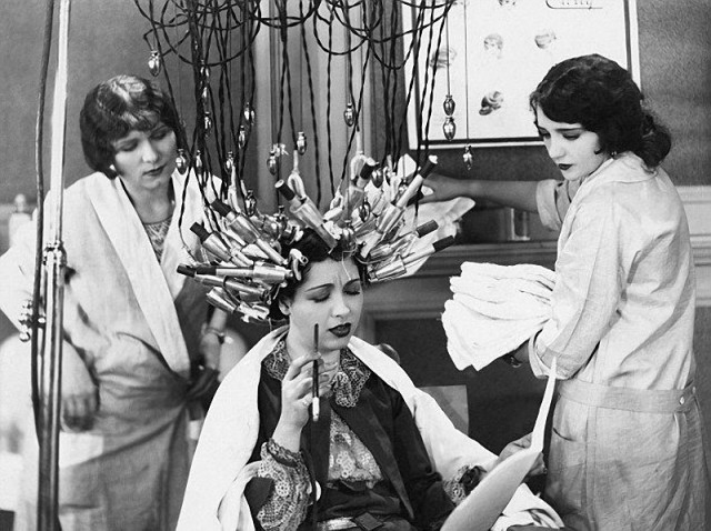 перманентная завивка, Салон красоты начала 20 века